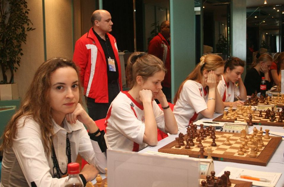 Spartak Vidnoe won narrowly in the second round. They are monitored closely by GM Dokhoian.
