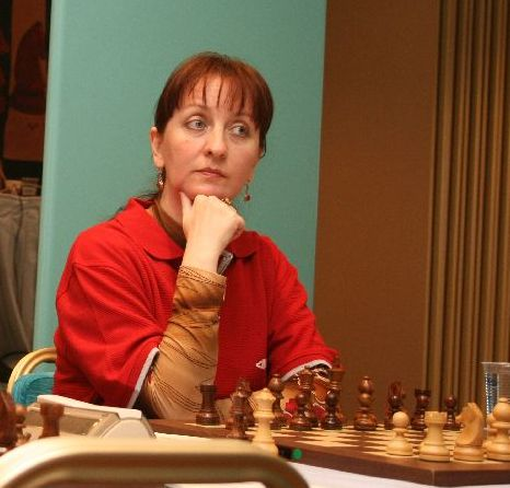 Svetlana Matveeva scored an important win against Tatiana Kosintseva and EPAM drew with Spartak Vidnoe.