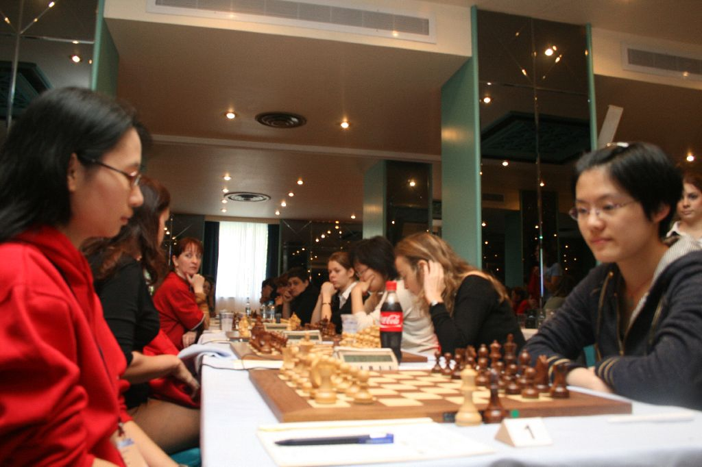 The first board match between EPAM and Spartak Vidnoe did not produce any winner. GM Trang and WGM Hou made a draw after a long fight.